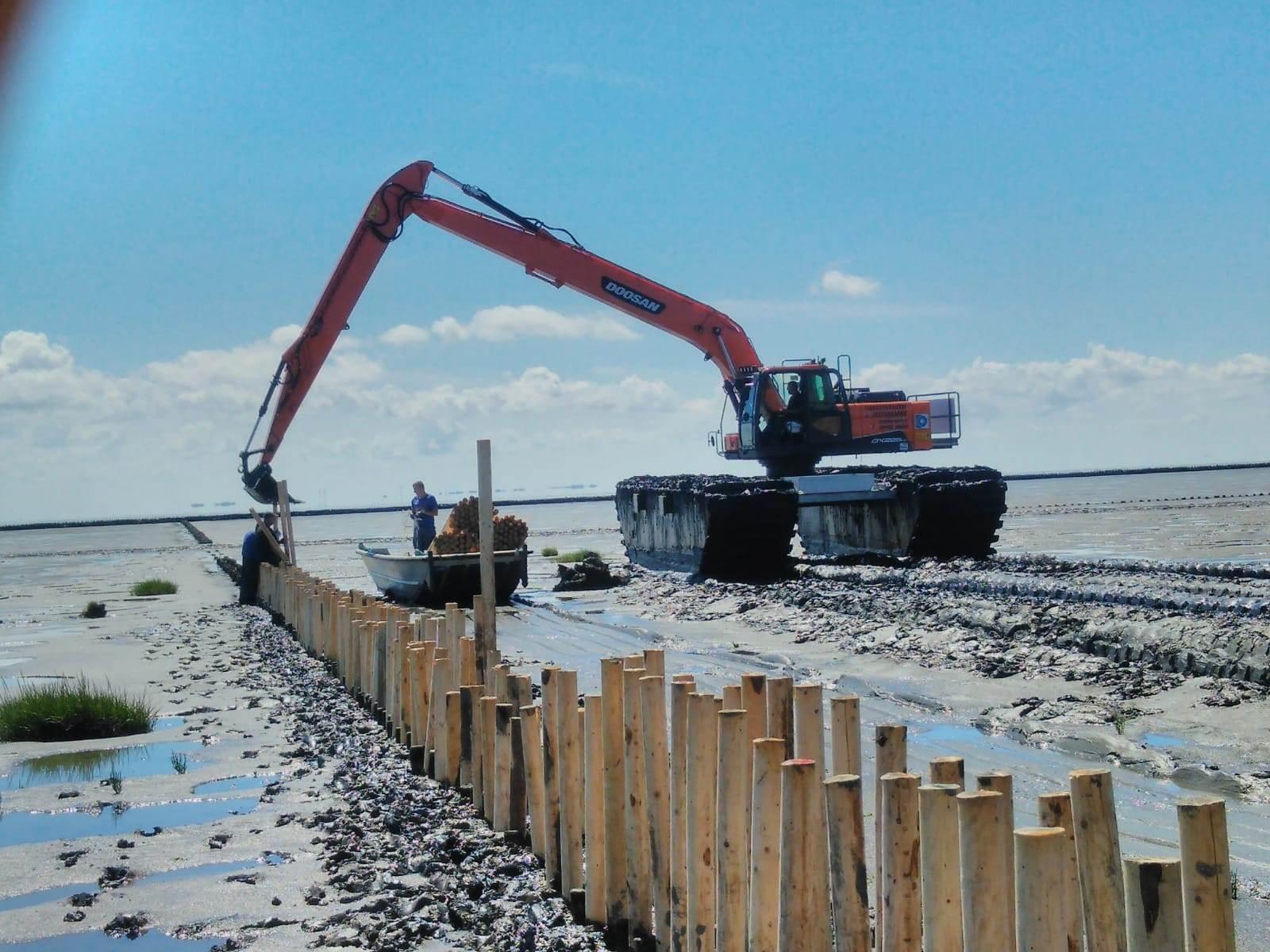 New 'All-Terrain' Doosan Excavator in Germany - Machinery