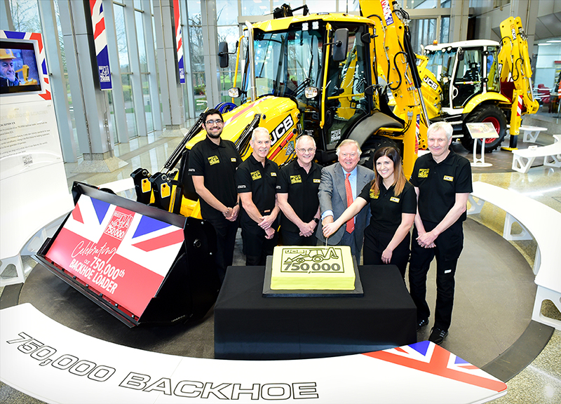 Historic Day As 750 000th Backhoe Rolls Off Jcb Production Line Machinery Movers Magazine